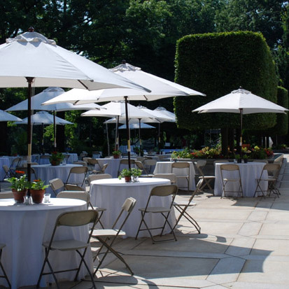 & 9u0027 Market Umbrella Table Rental | PartySavvy