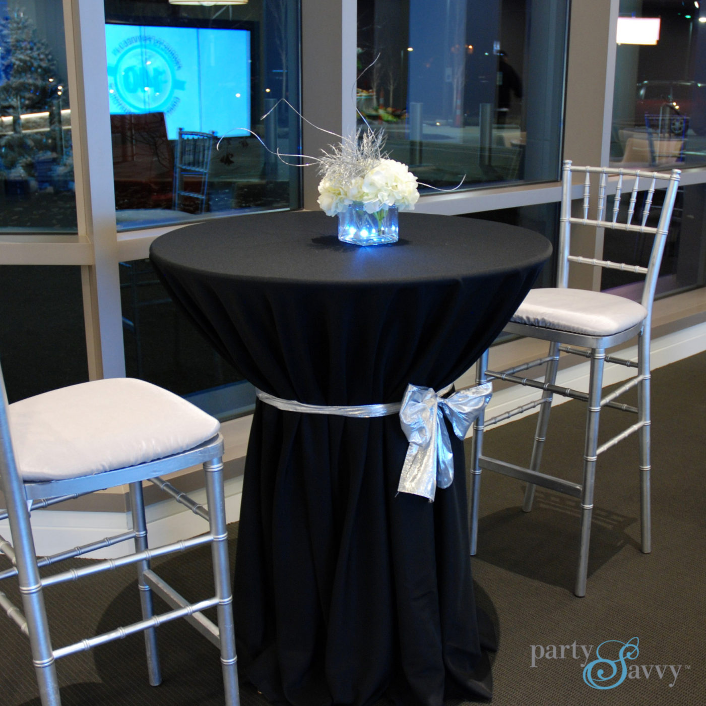 Stand Up Cocktail Table Rental, High Top Tables | PartySavvy