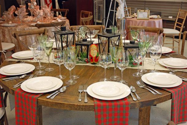 christmas plaid table