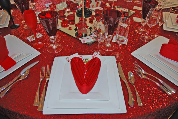 red valentine's day table